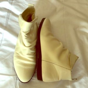Vintage white leather 80s booties ankle boots 7.5